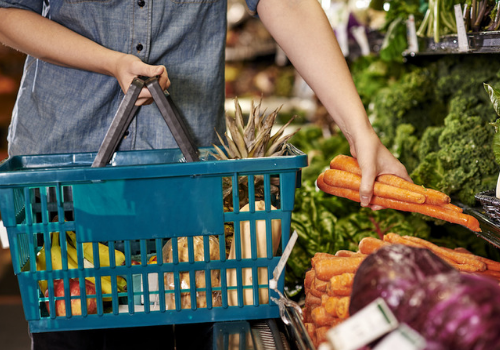 7 Grocery Shopping hacks to save a lot of money on your groceries.